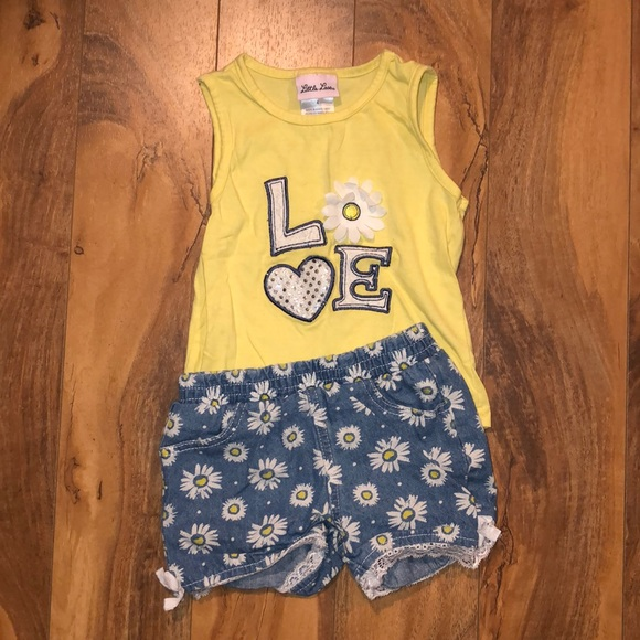 Size 4t daisy outfit
